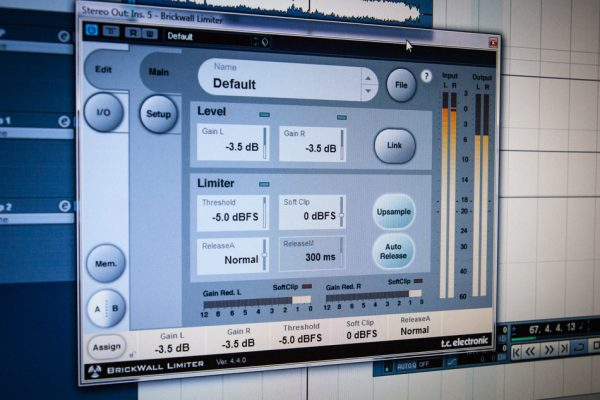 TC MASTERING BRICKWALL LIMITER